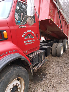 98 ford gravel truck 314000 km 46rears 20 front 8 LL trany