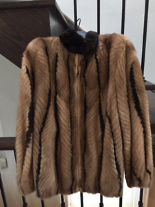 Beautiful MINK fur Coat - Excellent Condition - great as a GIFT