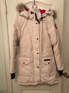 Womens Limited Edition Canada Goose Jacket (size small)