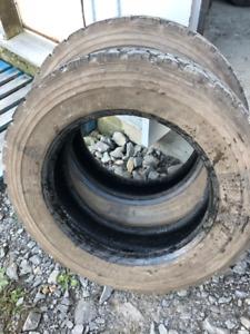 2x pneus 225/70R19.5 14ply Dunlop SP461