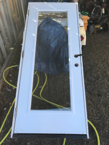 Single pane entry door