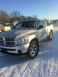2008 Dodge Ram1500 5.7L Both Taxes Paid\Finaincing Available