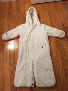 Baby gab snow suit 6-12 months  Cambridge Kitchener Area image 1
