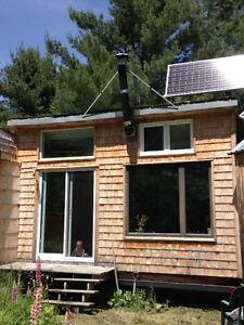 Tiny house/Micro-maison  16'x16' 15ooo$ à négocier.