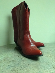 2 styles of ladies cowboy boots