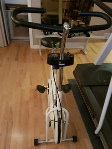 exercise bike / bicyclette d'entrainement
