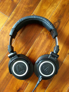 AUDIO TECHNICA ATH-M50X AUDIOPHILE MONITORING HEADPHONES