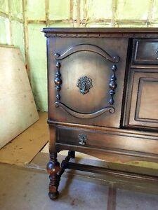 Antique Buffet/ Cabinet - new price its got to go! West Island Greater Montréal image 4