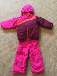 North Face size 3 girls ski suit