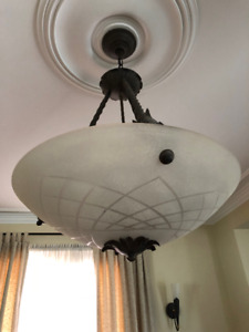 Chandelier / Ceiling Light Fixture is in Brand New Condition