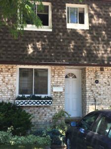 3 bedroom townhouse for rent North end Niagara Falls