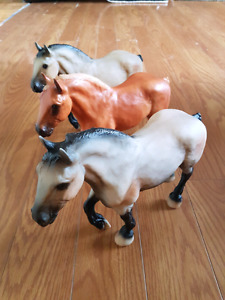 3 Horse Toys/Figures