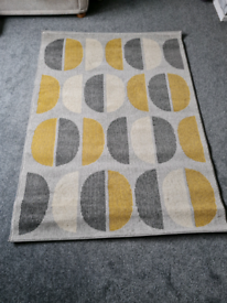 Brand new villa ochre circles rug