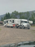 Fifth wheel and Travel trailer hauling