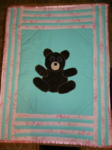CRIB QUILT(NEW;HOME MADE)
