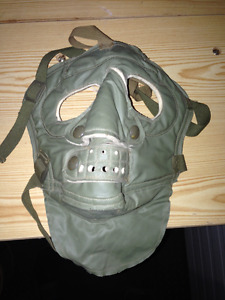 VINTAGE MILITARY ARMY SOFT CANVAS GREEN GAS MASK