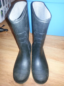 Junior Size 4 Rubber boots