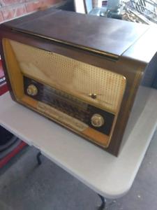 LOEWE OPTA Antique radio