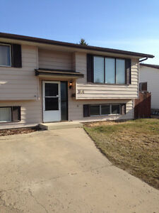 --Rent 2 Own This Amazing Ross Glen House--