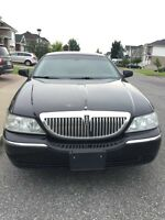 2003 Lincoln Town Car Executive L w/Lvry Pkg Sedan