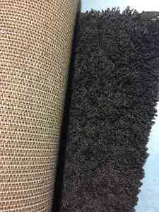 tapis à poil long de style contemporain couleur noyer