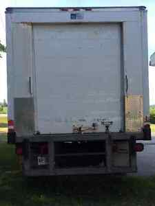 200 Ford F-550 Box Truck with Reefer Stratford Kitchener Area image 2