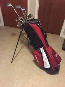 Dunlop Golf Bag with Cougar Clubs right handed