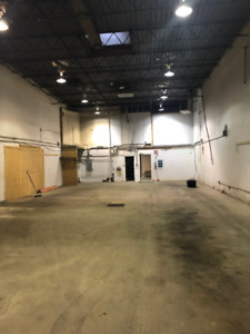 S.E. YEG (Strathcona County) INDUSTRIAL BAY + OFFICE FOR LEASE