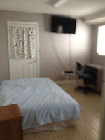 Move in today-A bachelor close to Comercial sky train