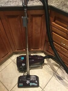Dirt Devil 12amp Canister Vacuum with Motorized Brushroll West Island Greater Montréal image 2