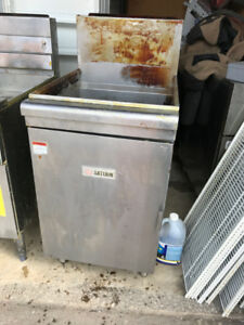 Used Saturn Deep Fryer
