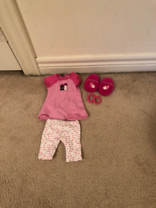 American Girl Doll outfit: PJs, slippers and hair ties