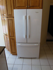 WHIRLPOOL FRIDGE with French doors and bottom freezer