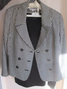 CALVIN KLEIN SUIT JACKET AND BLACK SKIRT SIZE 14