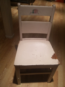 CHAIR - CHILD'S WOODEN CHAIR