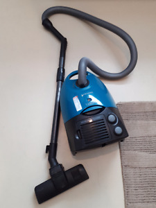 SAMSUNG Canister Hepa Vacuum $50