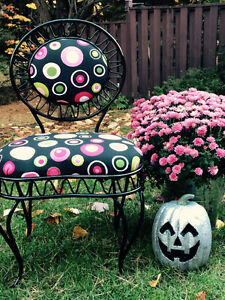 6 Wrought iron chairs / 6 chaises en get forget