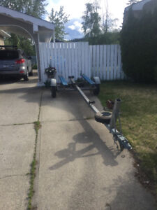 Road Runner Boat Trailer. 16-17' boat.