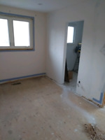 Demolition and flooring removal! Great rates and experienced!