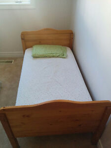 Crib + chest + bedside table