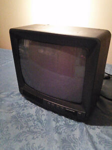 "12"" Magnasonic TV"