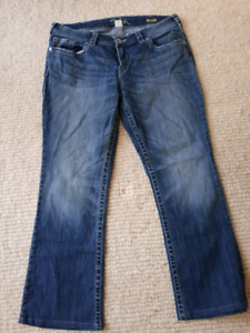 Size 14 Silver Jeans - Aiko Boot Cut   Great condition.