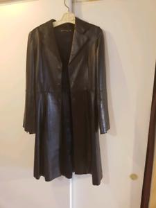 Manteau marque mackage...neuf...vrai cuir