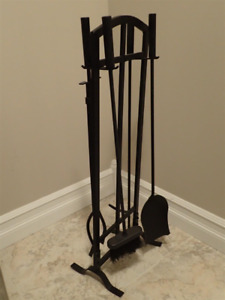 NEW 5-Piece Metal Fireplace Tool Set