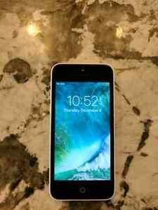 White 16gb IPhone 5C Rogers