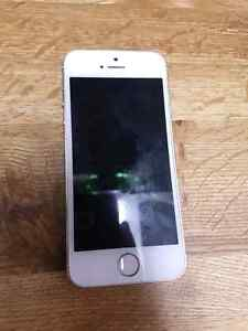 Gold iphone 5s   8/10 condition Kitchener / Waterloo Kitchener Area image 4