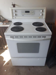 Kenmore Electric Self Cleaning  Stove In Great Condition