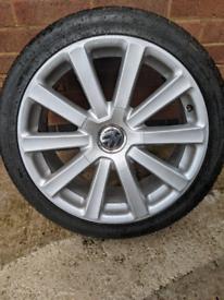 Genuine 18inch VW Omanyt alloys