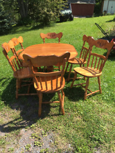 Vintage 1983 Table with Six Chairs Set
