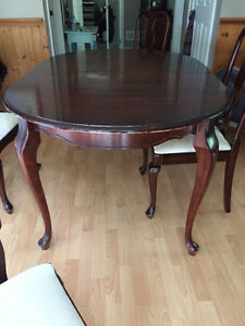 Solid Cherry dining set / kitchen table set $200 OBO